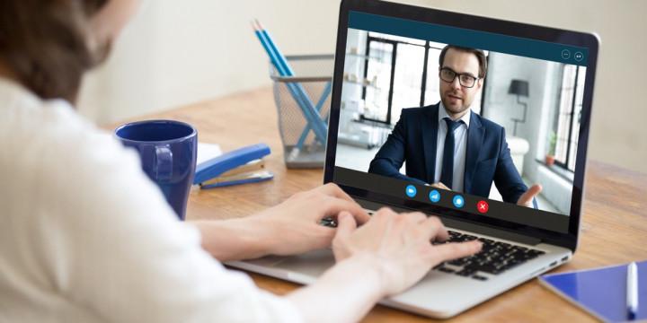Consells per superar una entrevista de feina online