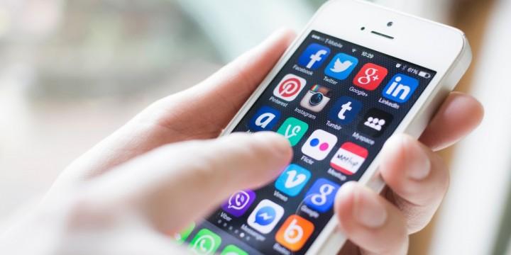 Les xarxes socials ens poden ajudar en la recerca de feina?